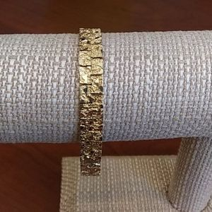"""💛Gold Tone Nugget 7"""" Bracelet With Safety Clasp"""